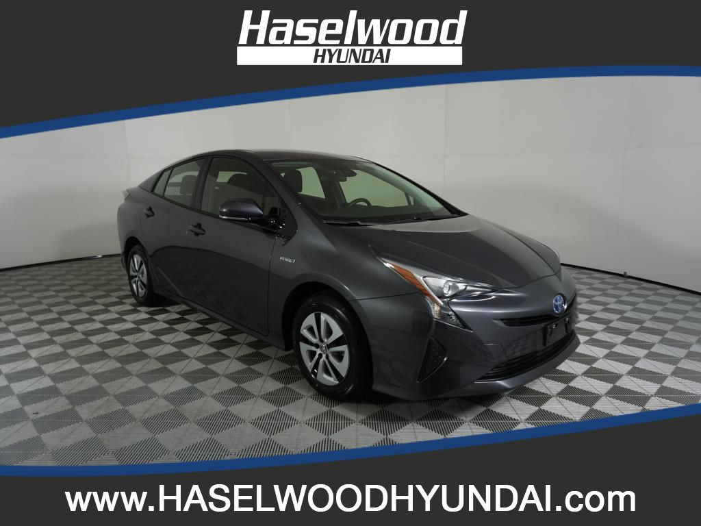 Pre-Owned 2018 Toyota Prius TWO ECO