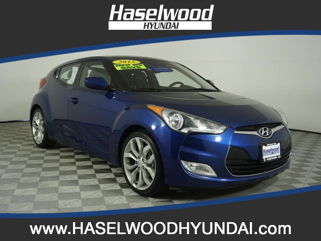 Certified Pre-Owned 2015 Hyundai Veloster Base