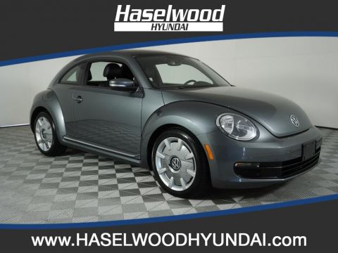 Pre-Owned 2012 Volkswagen Beetle 2.5L w/Sun/Sound/Nav PZEV
